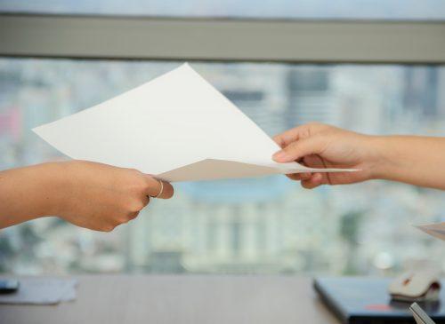 Заповед за изпълнение – в какви случаи се издава и какви са предимствата?