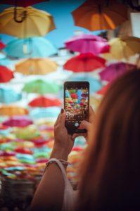 Контролът върху мобилните телефони по време на извънредното положение